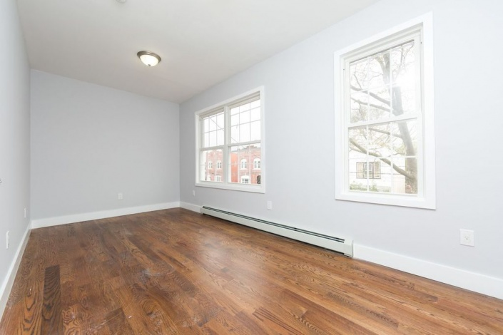 Brooklyn,New York 11208,Sold,1090