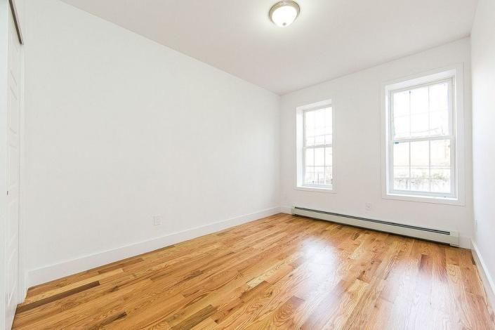 Brooklyn,New York 11208,Sold,1095