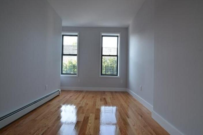 Brooklyn,New York 11207,Past Rentals,1114