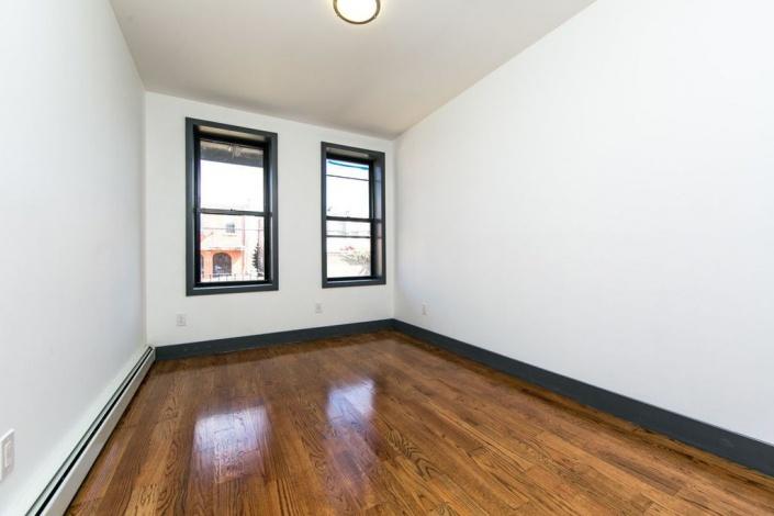 Brooklyn,New York 11207,Sold,1134