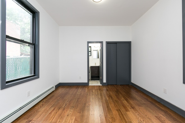 20 Logan St,Brooklyn,New York 11208,Sold,Logan St,1143