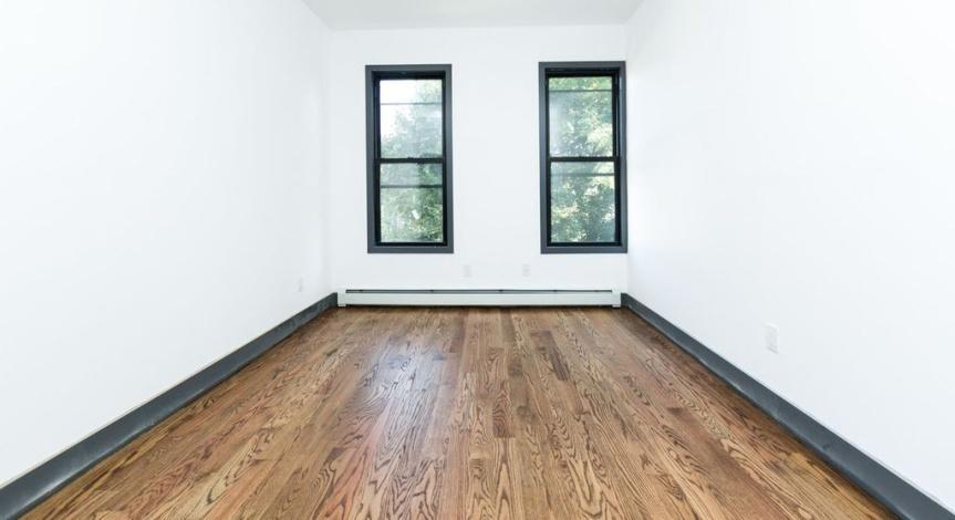Brooklyn,New York 11207,Sold,1153