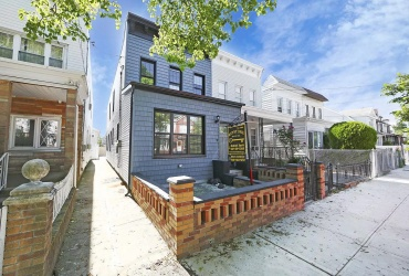 E 39th St 586,Brooklyn,New York 11203,Sold,586,1179