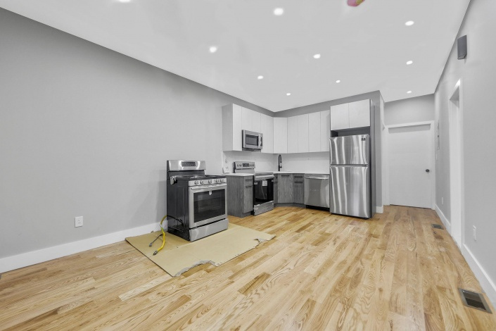 633 Crescent St St,Brooklyn,New York 11207,Sold,Crescent St,1183