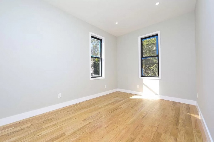 223 Jamaica Ave,Brooklyn,New York 11207,Sold,Jamaica Ave,1186