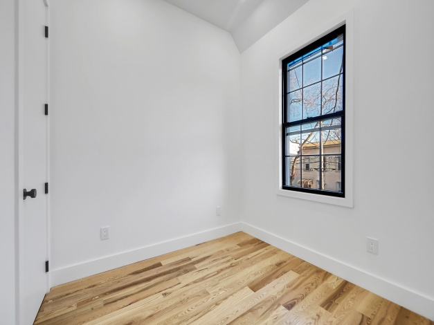68-72 76th 76 St,Middle Village,New York 11379,For Sale,76,1189