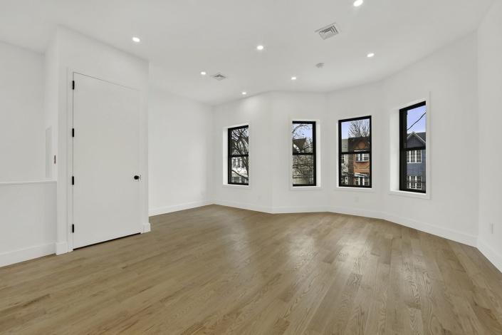 28 Shepherd Ave Brooklyn,New York 11208,Sold,28 Shepherd Ave,1237
