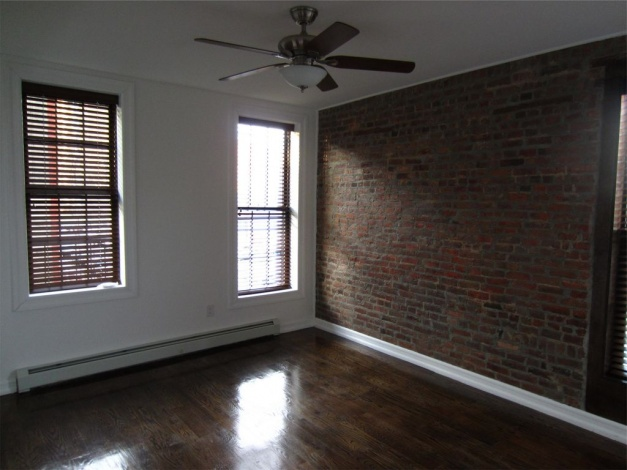 Brooklyn,New York 11233,Sold,1045