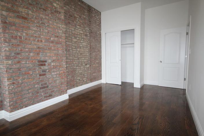 Brooklyn,New York 11207,Sold,1047