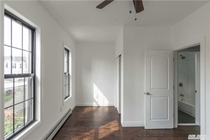 Brooklyn,New York 11233,Sold,1055