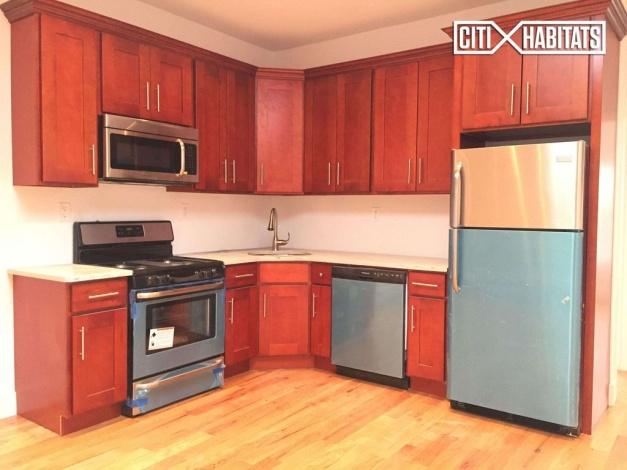 Brooklyn,New York 11207,Sold,1086